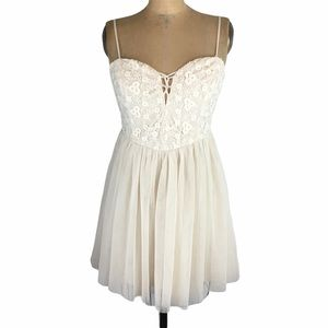 Ark & Co. Cream Tulle and Lace Sweetheart Dress Size M